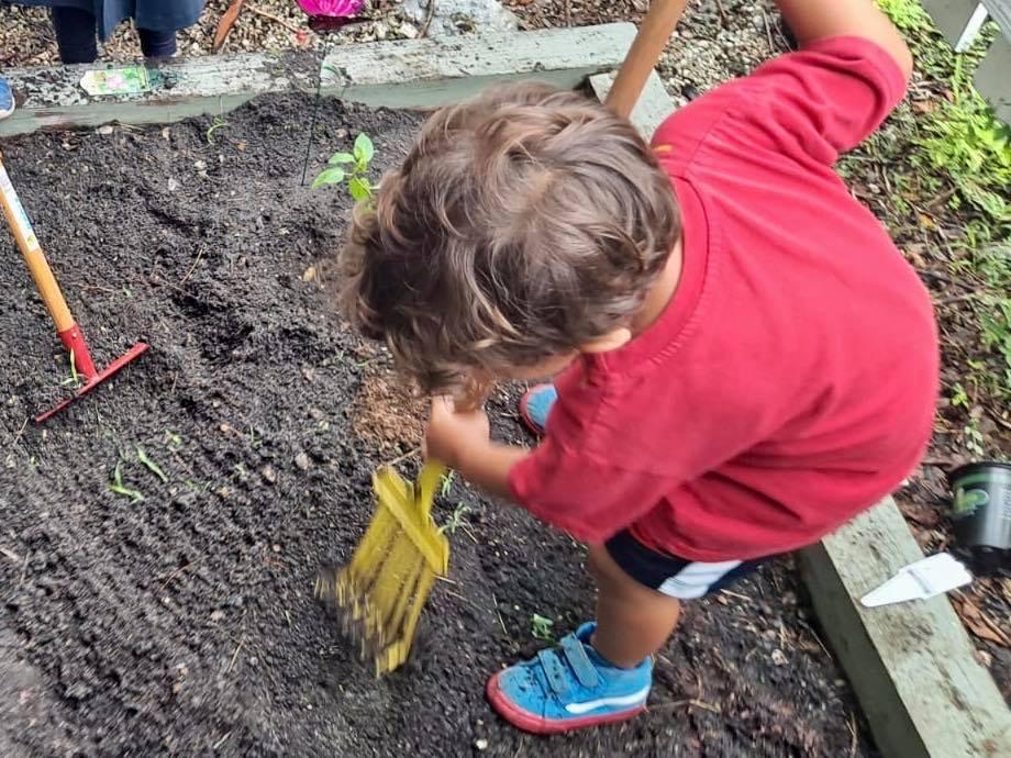 Gardening class at La Prima Casa
